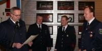 Nach der erfolgreichen Absolvierung des entspr. Lehrgangs am Institut der Feuerwehren in Münster wurde Kai Höing (2.v.r) zum Brandmeister befördert. (v.l. Ch. Nolte, D. Lütkenhaus, K. Höing, M. Terwey)