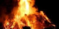 Ein schöner Brauch: Das Abbrennen eines Osterfeuers am Ostersonntag. Stadtverwaltung und Feuerwehr bitten um Anmeldung und warnen vor Leichtsinn.