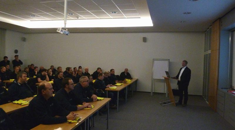 25.01.2018: Betriebsbesichtigung bei der HUESKER Synthetic GmbH