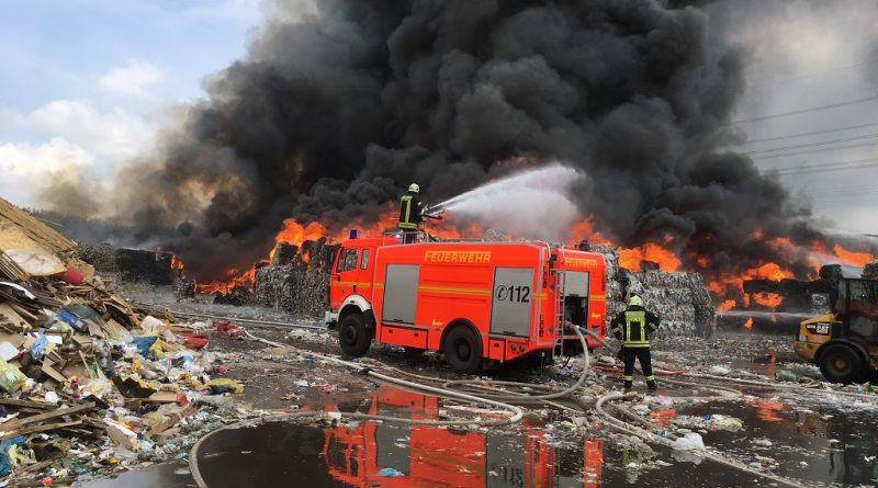 16.04.2018: Feuerwehr Gescher unterstützt beim Großbrand in Borken