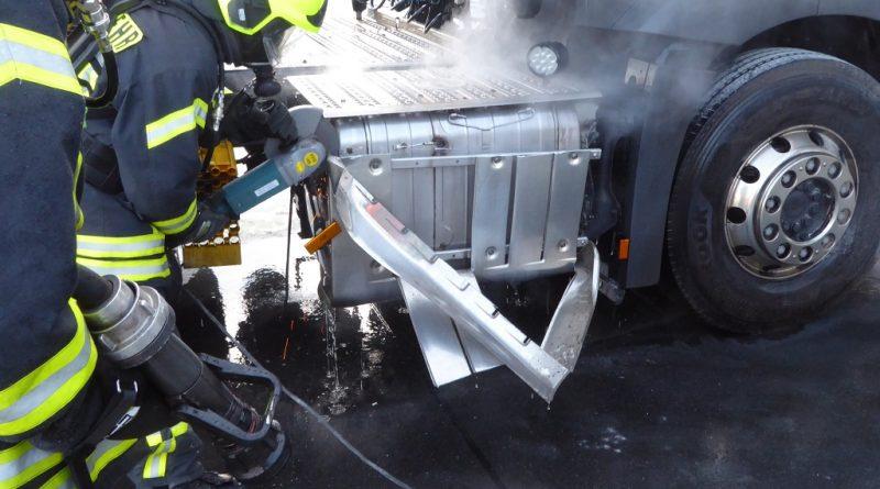 08.11.2019: Abgasfilter von LKW in Brand
